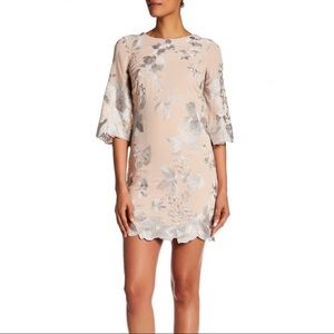 Dress the Population | Paige Embroidered Dress L